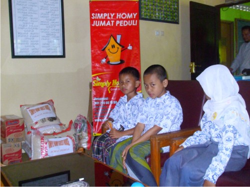 acara_jumat_peduli_simply_homy
