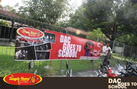 Simply Homy Peduli DAC goes to school – berbagi motivasi melalui seni
