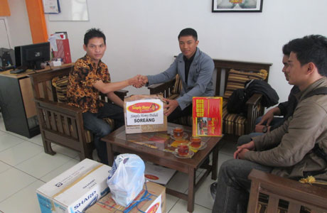 Jumat Peduli Simply Homy Guest House untuk Korban Bencana Banjir Soreang