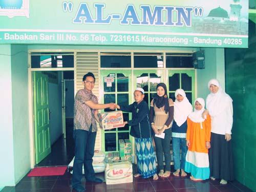 Jumat Peduli Simply Homy di Panti Sosial Al Amin Bandung