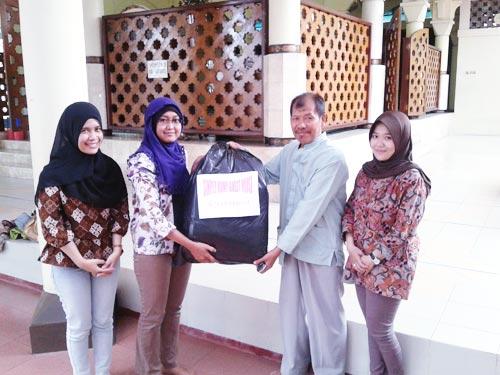 Jumat Peduli Simply Homy Guest House di Beberapa Masjid di Daerah Malioboro