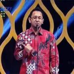 Ceo Simply Homy Mendapatkan Anugerah Seputar Indonesia Award 2013