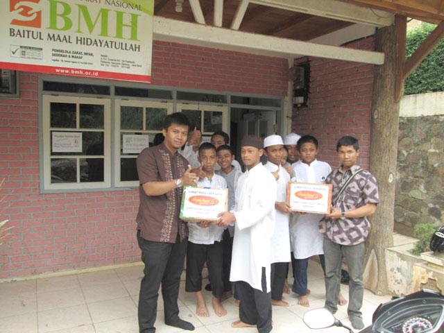 Jumat Peduli di Pondok Pesantren Hidayatullah Bandung