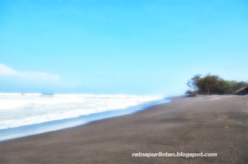 Wisata Lengkap di Pantai Baru