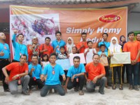 "SIMPLY GROUP PEDULI ""BERBAGI"", 13 April 2015"